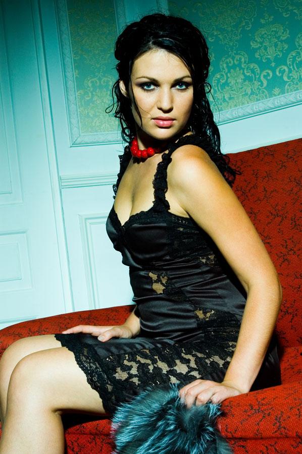 Модный красно-черный стиль для портфолио.
